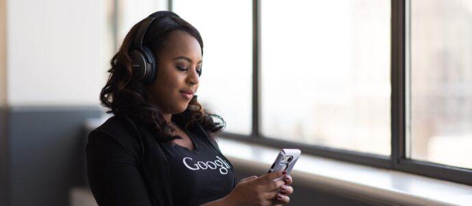 woman-listening-music
